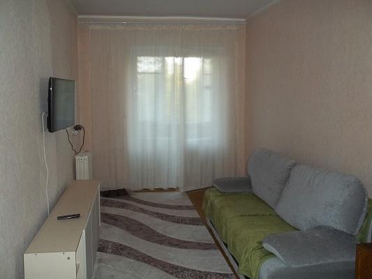 2-комнатная квартира посуточно в Ровно. ул. Соборная, 277. Фото 1