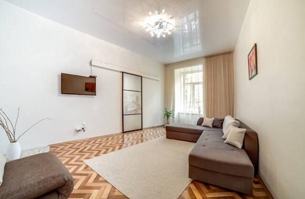 2-комнатная квартира посуточно в Львове. Галицкий район, ул. Гнатюка, 18. Фото 1
