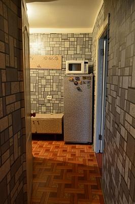 1-комнатная квартира посуточно в Запорожье. Коммунарский район, ул. Чумаченко, 15а. Фото 1