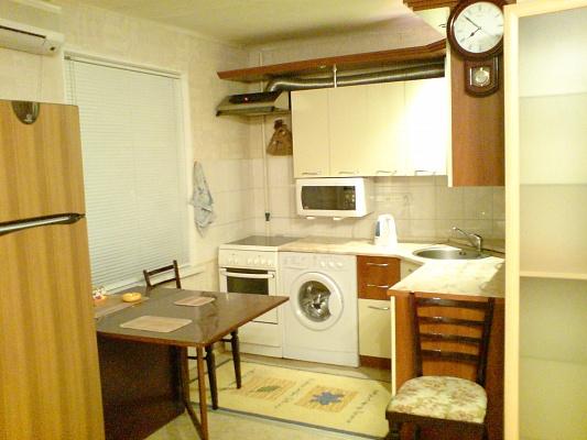 2-комнатная квартира посуточно в Днепродзержинске. ул. Москворецкая, 13. Фото 1