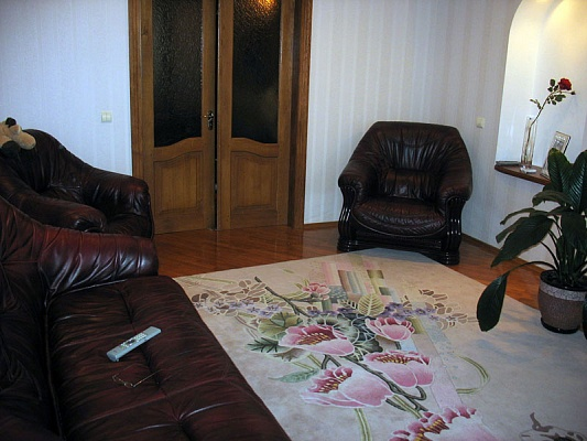 3-комнатная квартира посуточно в Киеве. Соломенский район, ул. Борщаговская, 145. Фото 1