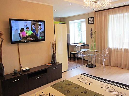 1-комнатная квартира посуточно в Киеве. Подольский район, ул. Константиновская, 44. Фото 1