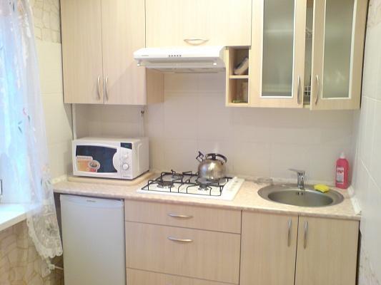1-комнатная квартира посуточно в Днепродзержинске. ул. Алтайская, 14. Фото 1