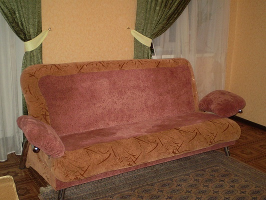 3-комнатная квартира посуточно в Николаеве. Центральный район, ул. Спасская, 52. Фото 1