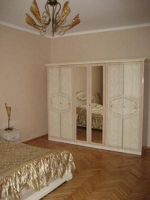 3-комнатная квартира посуточно в Севастополе. Ленинский район, ул. Ген Петрова. Фото 1