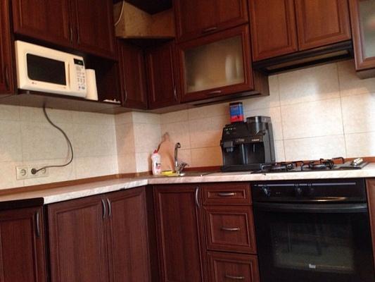 3-комнатная квартира посуточно в Киеве. Дарницкий район, ул. Ревуцкого, 35. Фото 1