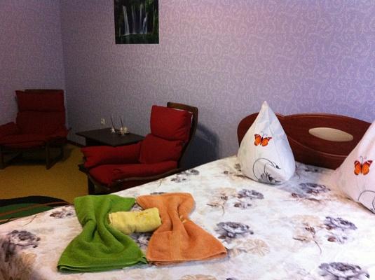 1-комнатная квартира посуточно в Умани. ул. Комарова, 15. Фото 1