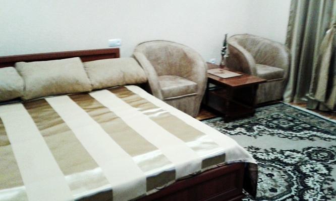 1-комнатная квартира посуточно в Трускавце. ул. Богдана Хмельницкого, 4. Фото 1