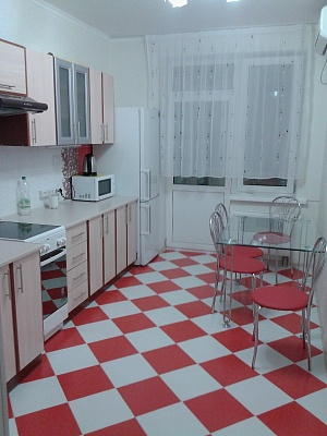 1-комнатная квартира посуточно в Донецке. Киевский район, ул. Миронова, 15. Фото 1