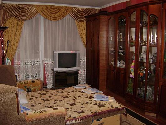 2-комнатная квартира посуточно в Евпатории. ул. Некрасова, 104. Фото 1