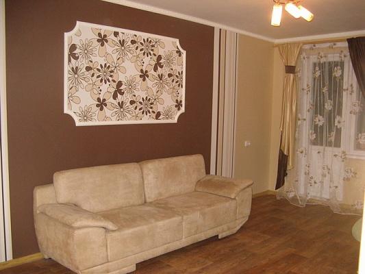 2-комнатная квартира посуточно в Кременчуге. пр-т Свободы (ул. 60 лет Октября), 67. Фото 1