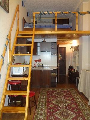 1-комнатная квартира посуточно в Харькове. Коминтерновский район, пр-т Гагарина, 181. Фото 1