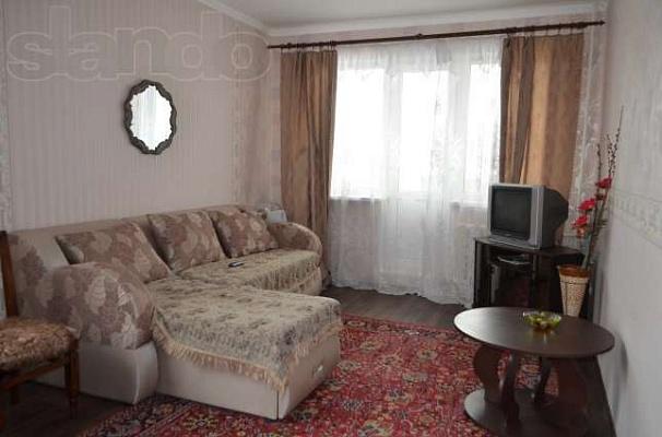 2-комнатная квартира посуточно в Керчи. ул. Комарова, 2. Фото 1