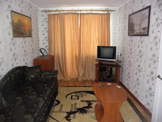 1-комнатная квартира посуточно в Кременчуге. ул. Первомайская, 45. Фото 1