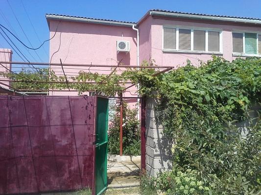 Дом  посуточно в Севастополе. Гагаринский район, ул. Морская, 32. Фото 1