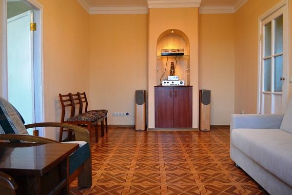 2-комнатная квартира посуточно в Миргороде. ул. Гоголя, 104. Фото 1