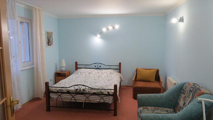 1-комнатная квартира посуточно в Ялте. ул. Чехова , 19А. Фото 1