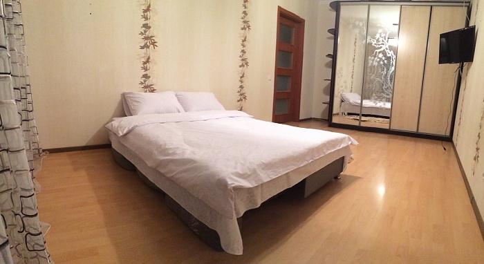 1-комнатная квартира посуточно в Ровно. ул. Данила Галицкого, 4. Фото 1