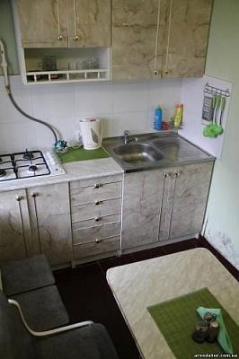 1-комнатная квартира посуточно в Бердянске. ул. Дюмина, 36. Фото 1