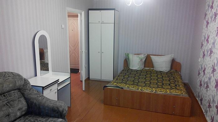 1-комнатная квартира посуточно в Белой Церкви. ул. Вокзальная, 5. Фото 1