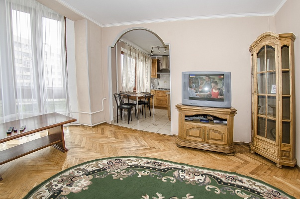 3-комнатная квартира посуточно в Киеве. Печерский район, б-р Леси Украинки, 12. Фото 1