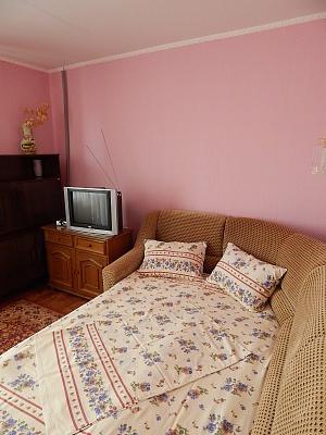 1-комнатная квартира посуточно в Феодосии. ул. Дружбы, 36. Фото 1