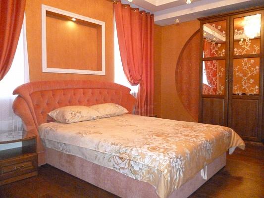 1-комнатная квартира посуточно в Запорожье. Ленинский район, пр-т Металлургов, 12. Фото 1