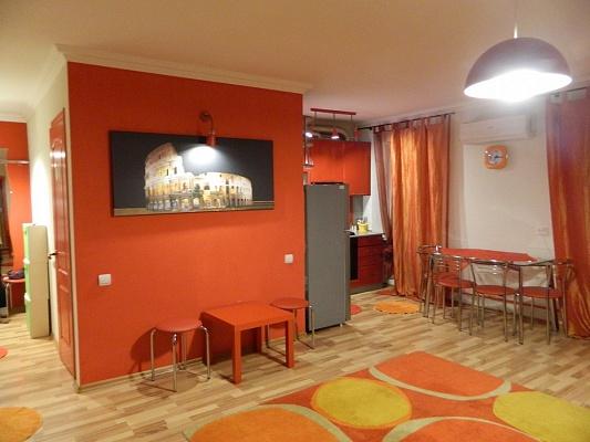 2-комнатная квартира посуточно в Сумах. Заречный район, ул. Ахтырская, 3. Фото 1