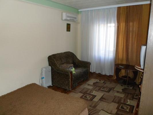 1-комнатная квартира посуточно в Киеве. Днепровский район, ул. Бучмы, 6. Фото 1