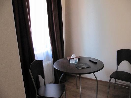 1-комнатная квартира посуточно в Одессе. Приморский район, Базарная, 5/3. Фото 1