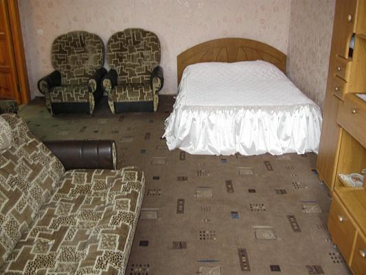 1-комнатная квартира посуточно в Херсоне. Днепровский район, пл. Свободы, 2. Фото 1