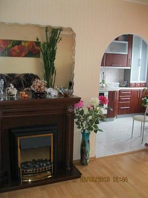 3-комнатная квартира посуточно в Славутиче. Бакинский, 1. Фото 1
