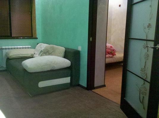 2-комнатная квартира посуточно в Днепродзержинске. пр-т Свободы (Ленина), 65. Фото 1