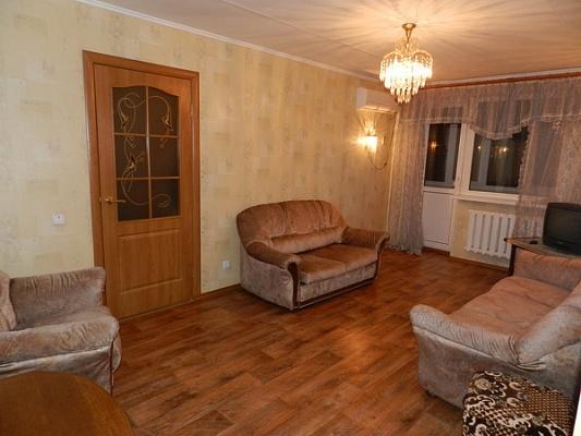 3-комнатная квартира посуточно в Феодосии. ул. Чкалова, 94. Фото 1