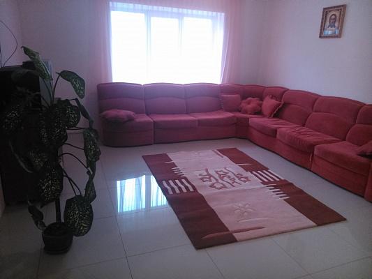 3-комнатная квартира посуточно в Умани. ул. Комарова, 27. Фото 1