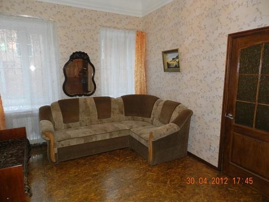 2-комнатная квартира посуточно в Феодосии. б-р Адмиральский, 24. Фото 1