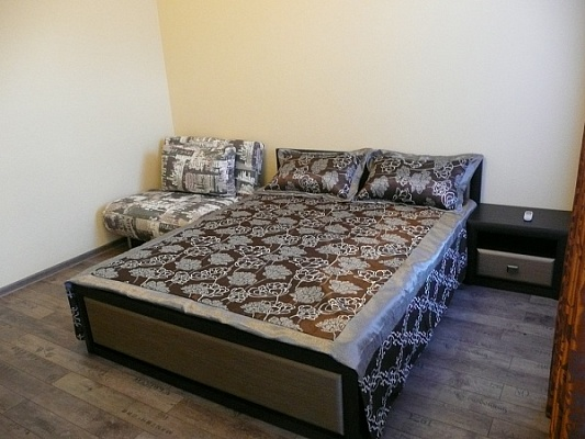 2-комнатная квартира посуточно в Ялте. ул. Заречная , 10. Фото 1