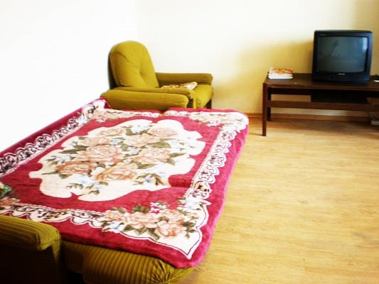 1-комнатная квартира посуточно в Донецке. Калининский район, пр-т Ильича, 93а. Фото 1
