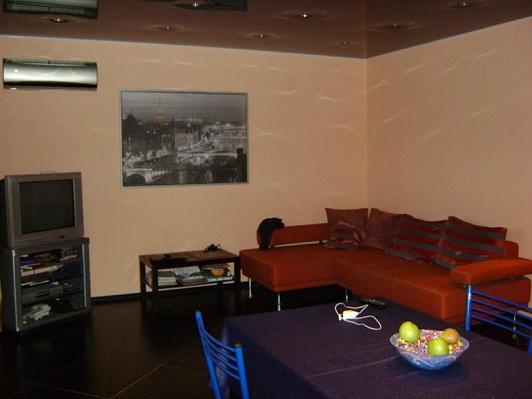 1-комнатная квартира посуточно в Харькове. Краснозаводской район, пр-т Московский, 29. Фото 1