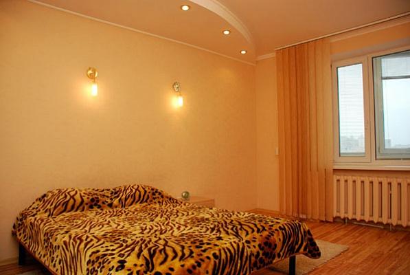 1-комнатная квартира посуточно в Киеве. Днепровский район, Никольско-Слободская, 4в. Фото 1