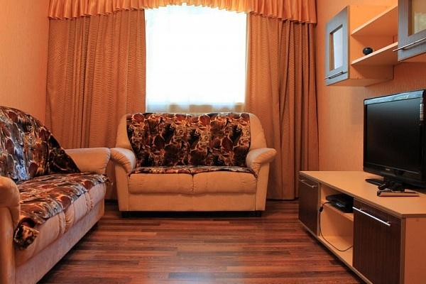 2-комнатная квартира посуточно в Харькове. Дзержинский район, пр-т Науки (Ленина), 64. Фото 1