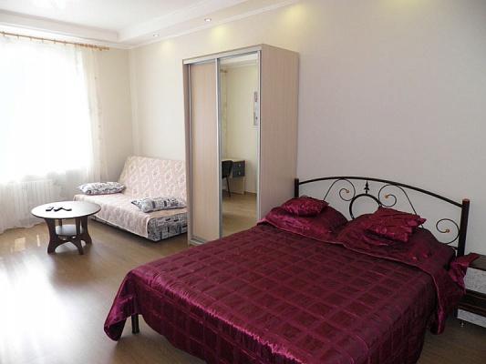 2-комнатная квартира посуточно в Севастополе. Ленинский район, ул. Генерала Петрова, 14. Фото 1