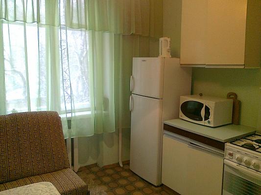 2-комнатная квартира посуточно в Киеве. Соломенский район, ул. Липковского, 16. Фото 1