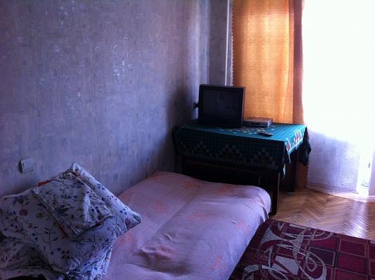 1-комнатная квартира посуточно в Киеве. Днепровский район, ул. Краковская, 12. Фото 1