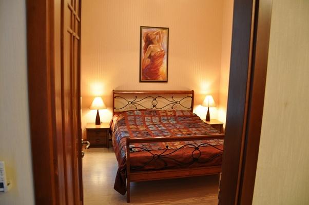 3-комнатная квартира посуточно в Одессе. Приморский район, ул. Ришельевская, 12. Фото 1