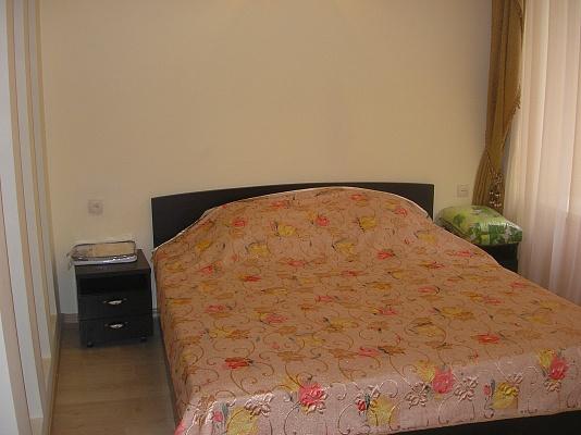 2-комнатная квартира посуточно в Одессе. Приморский район, ул. Дерибасовская. Фото 1