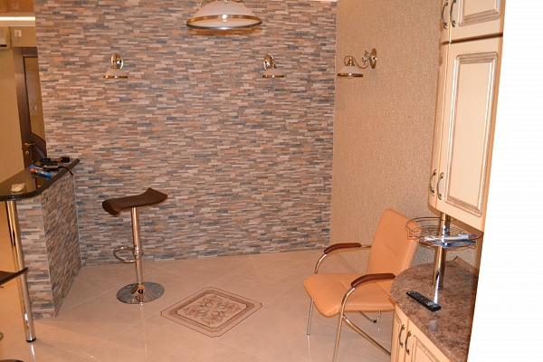 3-комнатная квартира посуточно в Николаеве. Заводской район, ул. Мореходная, 10. Фото 1