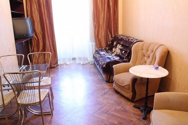 2-комнатная квартира посуточно в Одессе. Приморский район, ул. Преображенская, 15. Фото 1