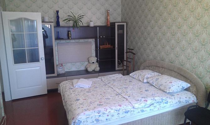 1-комнатная квартира посуточно в Белой Церкви. ул. Калинина, 4. Фото 1