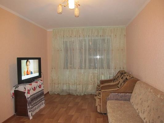 1-комнатная квартира посуточно в Мариуполе. пр-т Строителей, 66. Фото 1